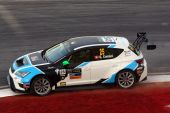 Stefano Comini gewinnt erstes TCR Rennen