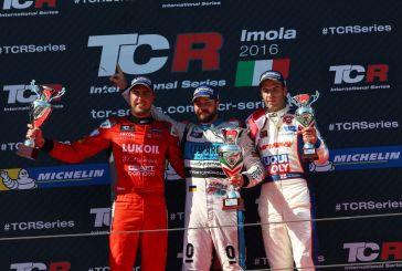 TCR – Stefano Comini remporte sa première victoire en 2016 et fait la bonne opération