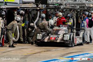 La Porsche de Neel  Jani au ravitaillement!
