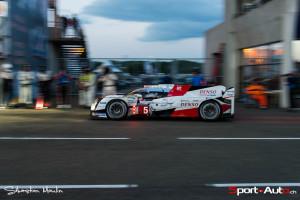 La Toyota TS050 #5 de Sébastien Buemi, actuellement en tête des 24 Heures du Mans 2016!