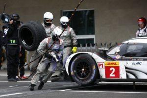 02-La Porsche numero 2 n'a pas toujours monte les bons pneus@Photo Porsche