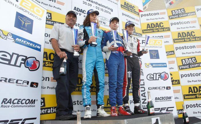 Lando Norris fährt zum Formula Renault 2.0 NEC Titelgewinn