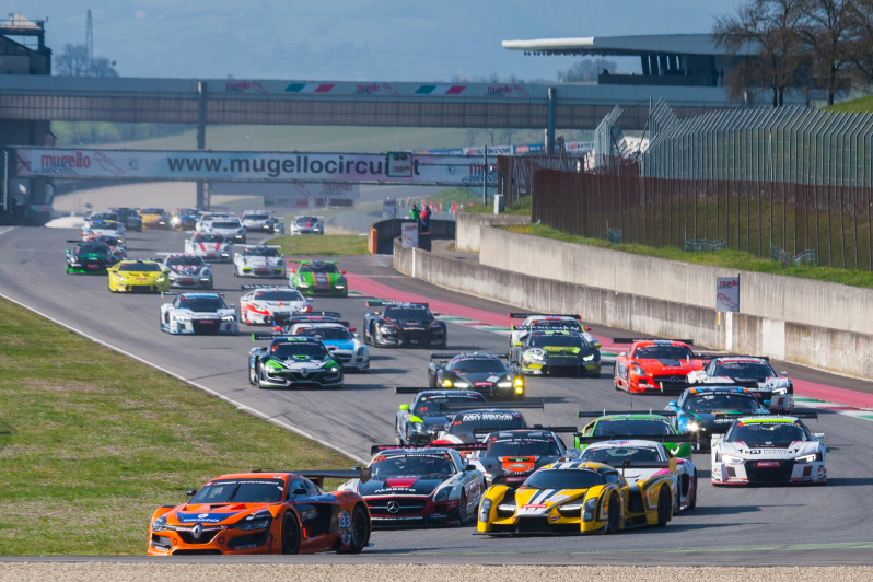 Start 2 Hankook 12H MUGELLO 2016_800pix