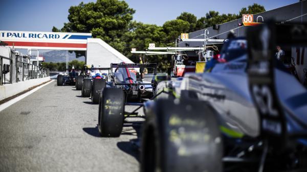 Grégoire Saucy avec AVF by Adrián Vallés en Eurocup Formule Renault
