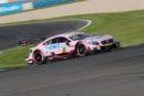 """DTM – Doppel-Sieg auf dem Lausitzring: """"Pink Panther"""" Lucas Auer gewinnt vor Robert Wickens"""