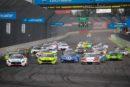 ADAC GT Masters – Lausitzring: Porsche-Duo gewinnt Rennen 1