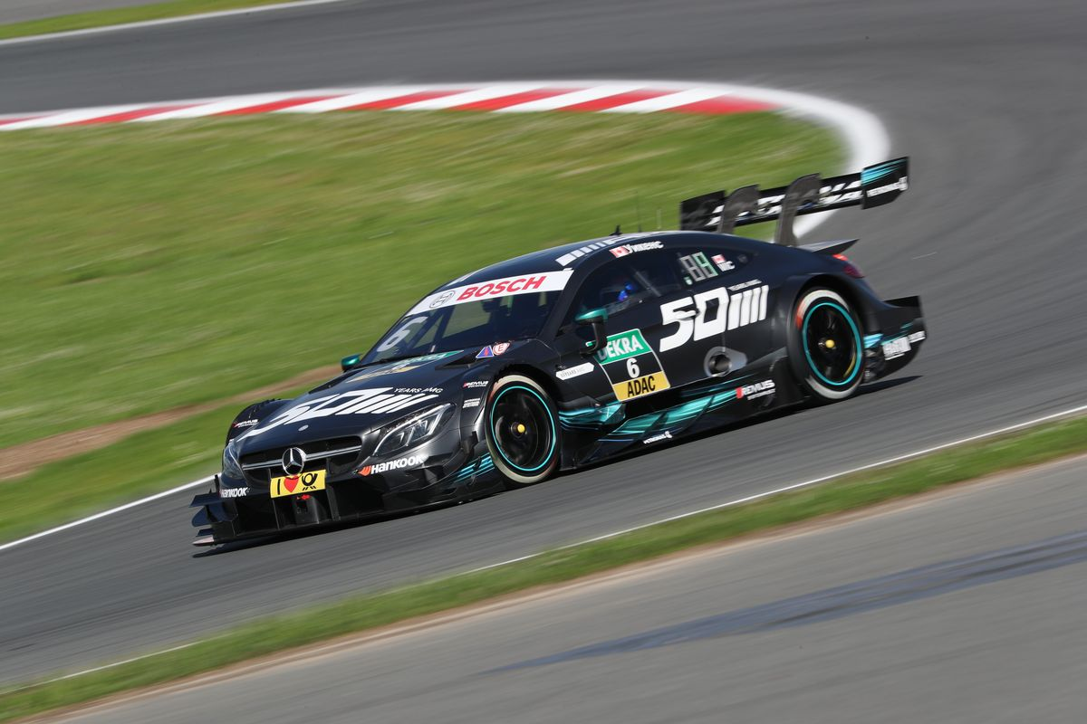 Dtm Robert Wickens Lucas Auer Gary Paffett And Maro Engel Secure Valuable Points Sport Auto Ch