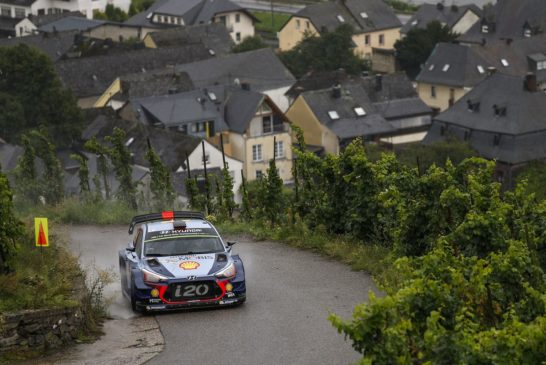 WRC – Neuville holds provisional podium in Hyundai Motorsport's home rally