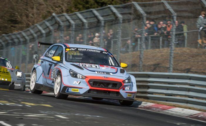 Hyundai N mit zwei i30 N TCR beim 24h-Rennen auf dem Nürburgring